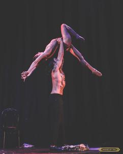 ©2019  Performer: Glenn Vasaturo @glennvasaturo, Joy Fully @lovelivingart  Photography: Brynne Levy @brynne.levy