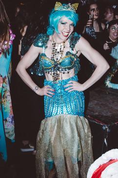 ©2017   Costume Fabrication: Joy Fully @lovelivingart  Costume Design:Kae Burke @kaeburke  Performer: Kae Burke @kaeburke  Photography: House of Yes