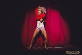 © 2018  Performer: Joy Fully @lovelivingart  Photography: Brynne Levy @brynne.levy