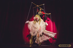 © 2018  Performer and Costume Design: Joy Fully @lovelivingart  Photography: Brynne Levy @brynne.levy