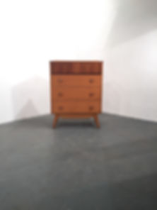 Birdseye Maple Chest of Draws in the syle of Alfred Cox and Gordon Russell - Vintage 20th Century Design - Vintage OCD