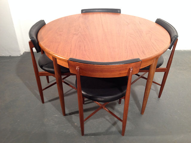 G-Plan Extendable Dining set in teak, vintage 20th century danish design by G-Plan