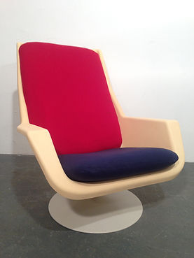 Robin Day 44000 Easy Chair - 1970s Original produced by Hille - Vintage 20th Century Design