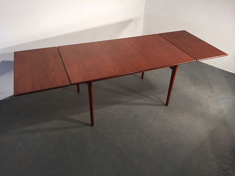 Younger Dining Table by John Herbert - Vintage 1960s - Original Compulsive Design
