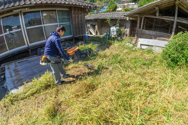 依光様邸(草刈り)