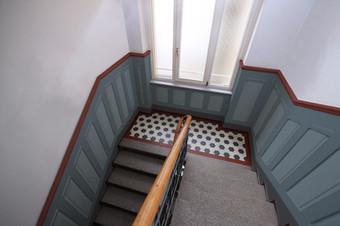Treppenabsatz_B.jpg