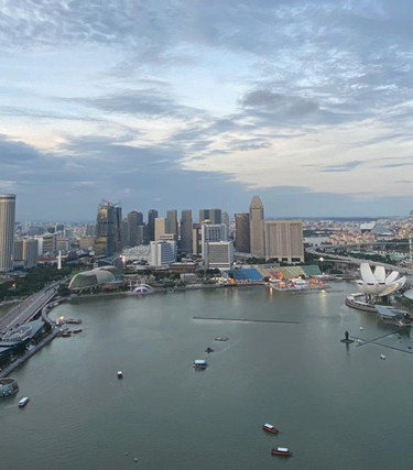 level33-singapore-rooftop-dining-area-vi