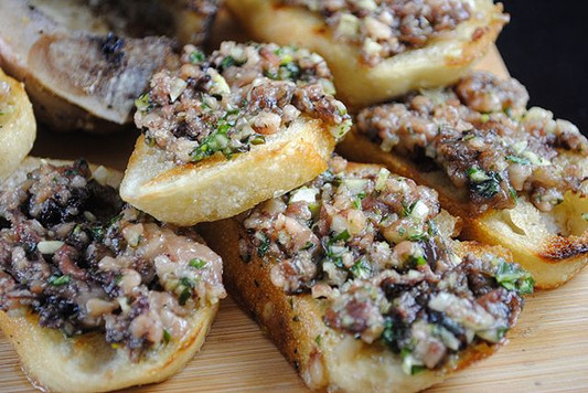 I was not planning on posting this tonight but it was too good not to share.. Bone Marrow Bruschetta.jpg