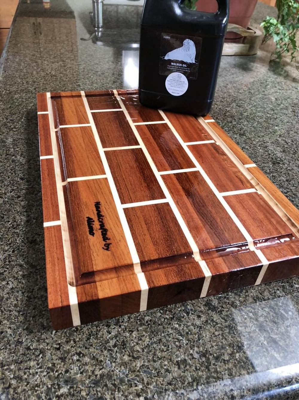 A new Alimo Chopping Block with a fresh coat of Walrus Oill
