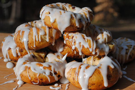 Cinnamon roll doughnuts I made on my _traegerbbq Step up ur grill game... There's nothing _traegergrills can't handle... ._._.jpg