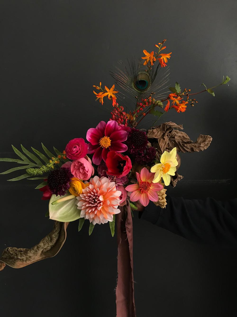 Best Bridal Bouquet - Casa Delirio flores - bouquet with dahlias