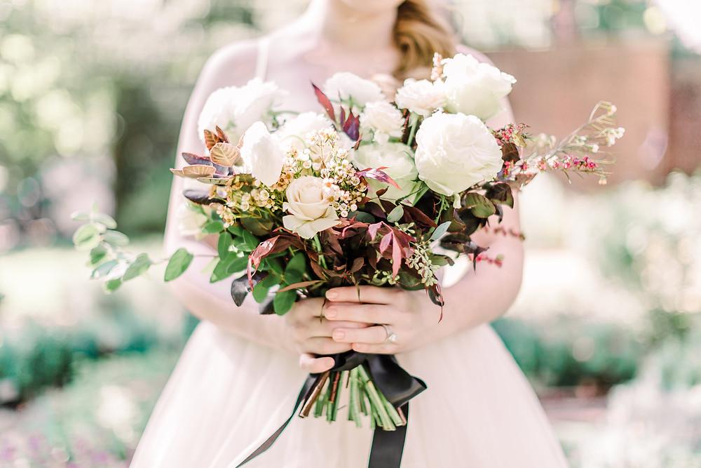 Bouquet white flowers, Casa Delirio