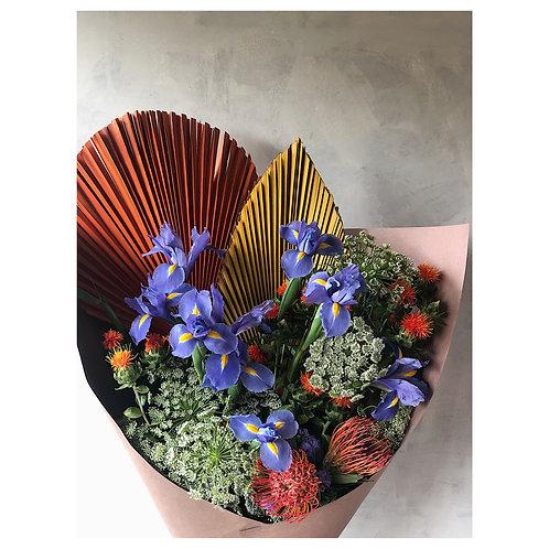 Ramo con iris, palma y leuco