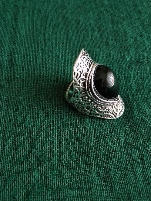 bague en argent avec pierre naturel noir
