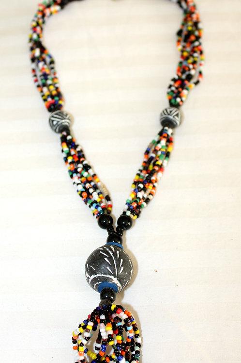 #7083 - Collier pierres noires et multicolores