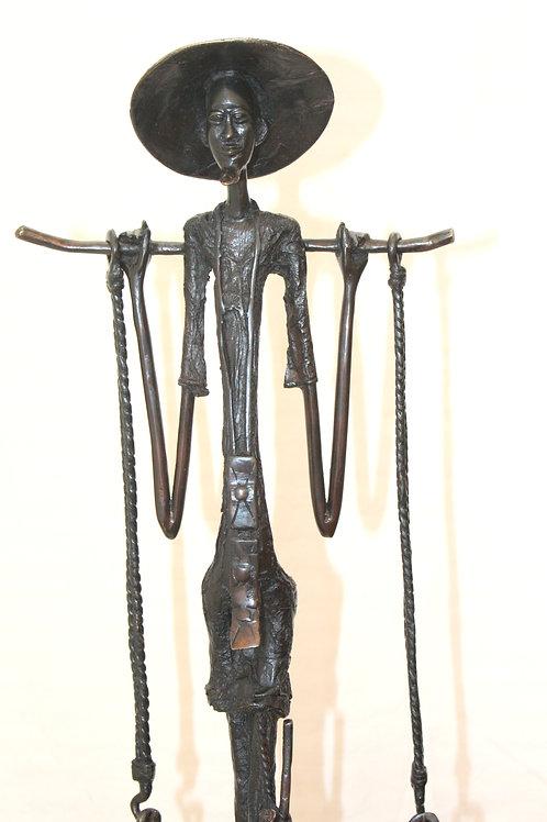 #6020 - Homme porteur d'eau Peule