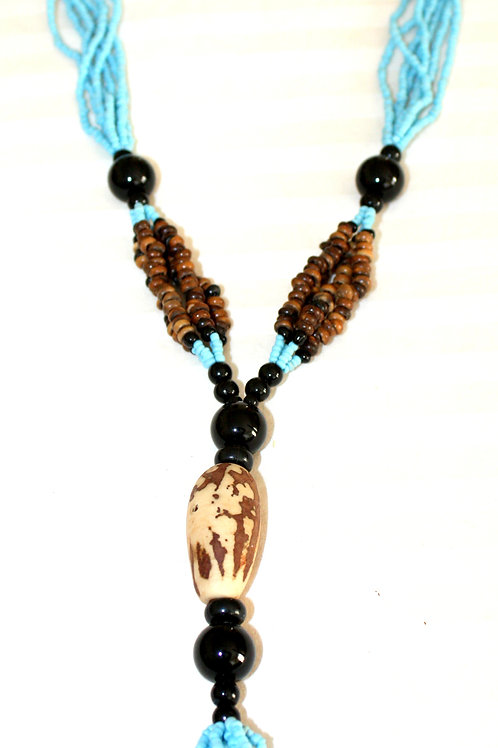 #7081 - Collier noix, bois et perles bleues