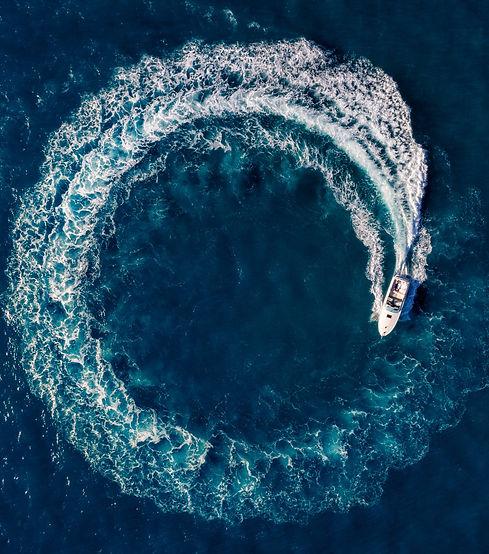 Boat%20Loop%20on%20the%20sea_edited.jpg