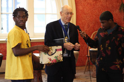 Mayor of Wandsworth draws the raffle