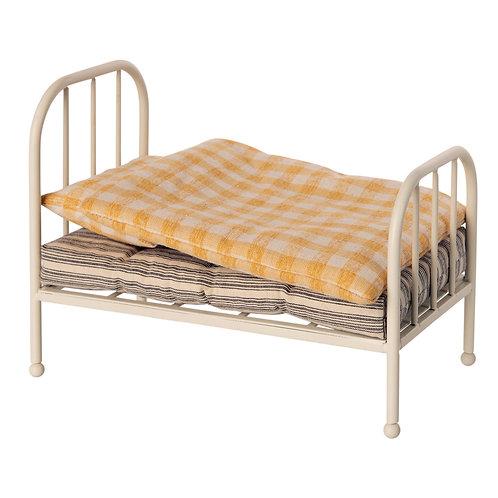 Vintage Bett Teddy Junior