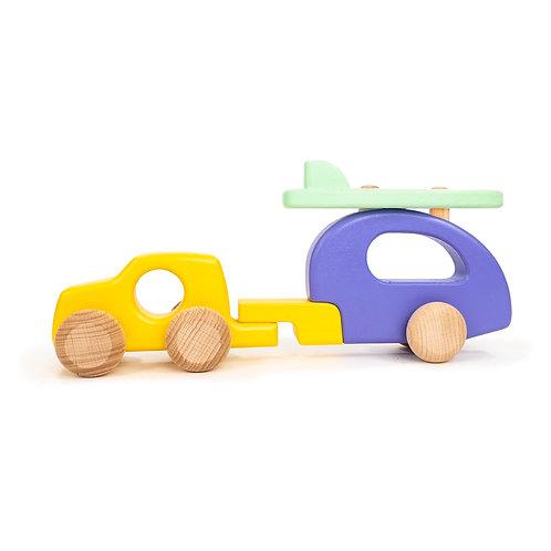 Geländewagen mit Campinganhänger