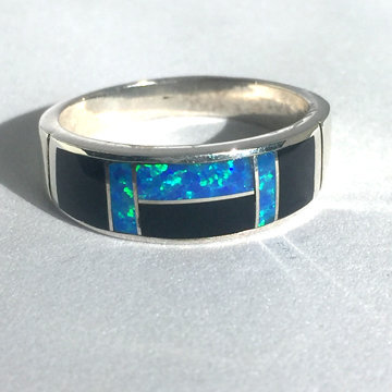 """Black Beauty"" Band Ring"