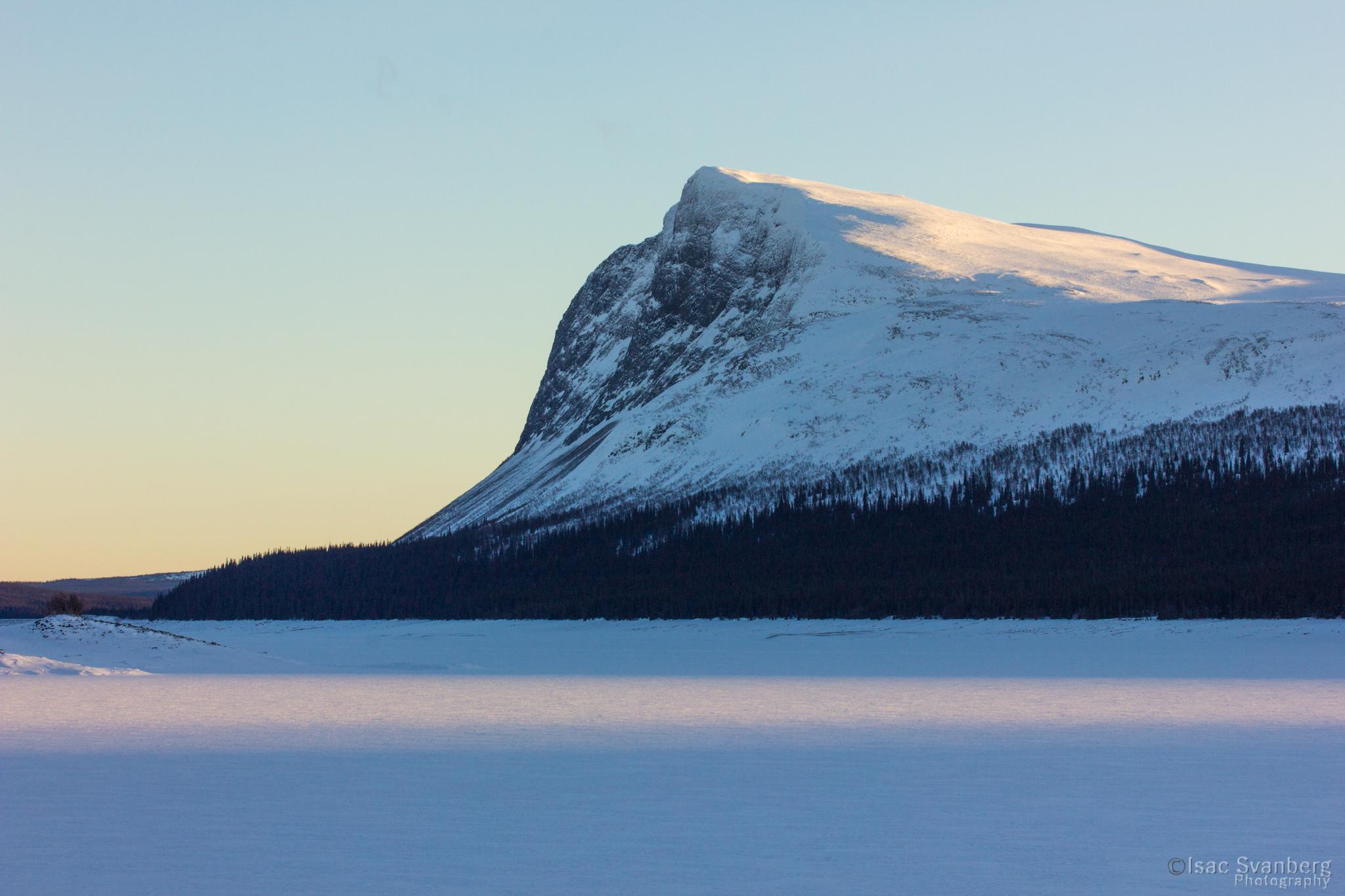 Borgahällan_över_Borgasjön_vinter