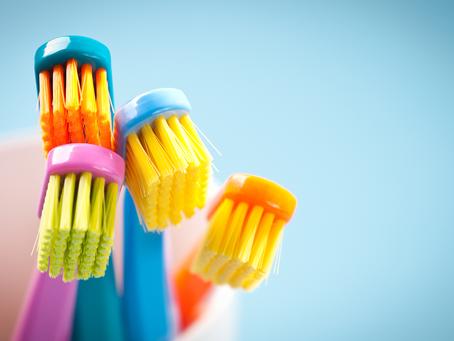 Você sabe escolher sua escova de dentes?
