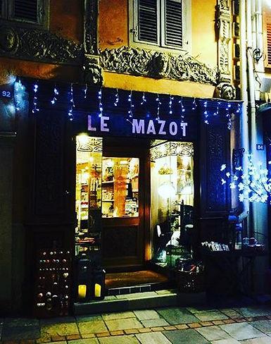 La façade du Mazot la nuit