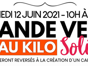 Vente solidaire de vêtements au kilo !