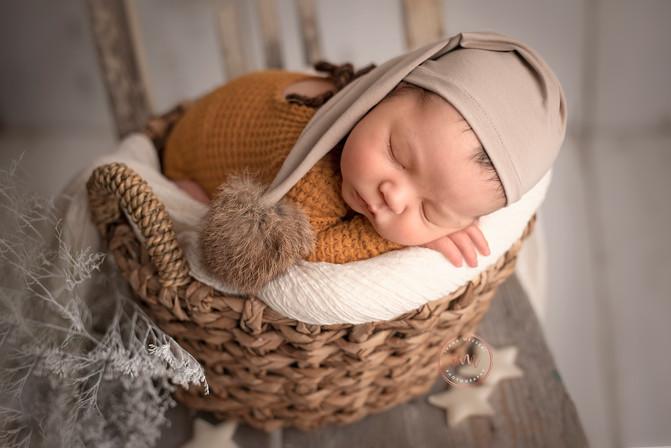 Dominik_newborn-103-Edit-Edit kopie.jpg