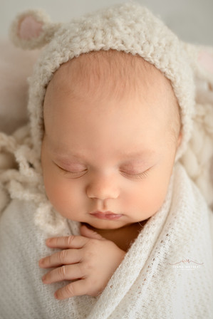 Vojtisek_newborn-5414-Edit kopie.jpg