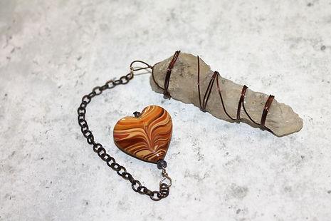 hand-pendulum-spiritual-necklace-alterna