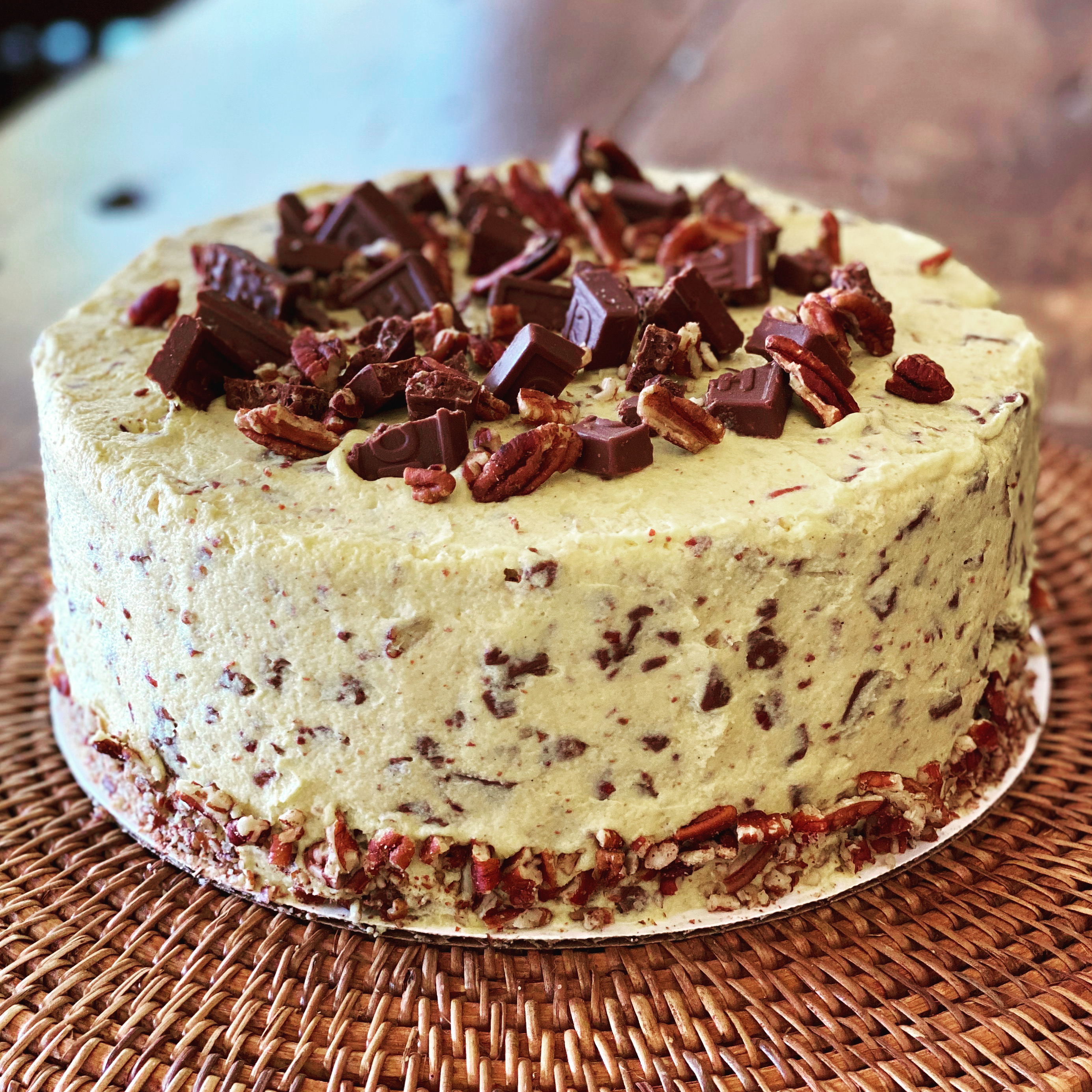 Pecan Candy Bar Crunch Cake