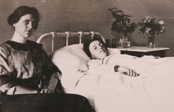 1908 DoroHarr.jpg