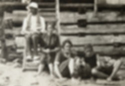 1910 LennoxMaryGertSid.jpg