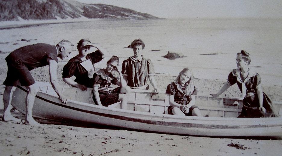 1902-WilliamRhodes1851-1921,Dorothy,Bill