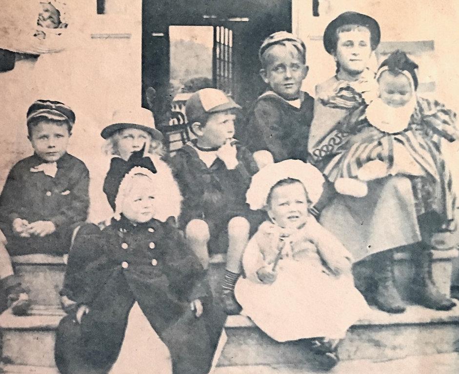 1893JimNancMaryFrankJohnCar2Babys.jpg