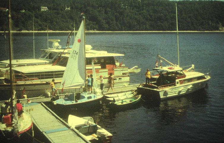 1976 AnneCinvarDingys.jpg