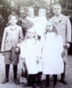 1899 5Morewoods.jpg
