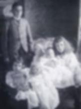 1898 JimmyGertrudex2+Sidneybaby.jpg