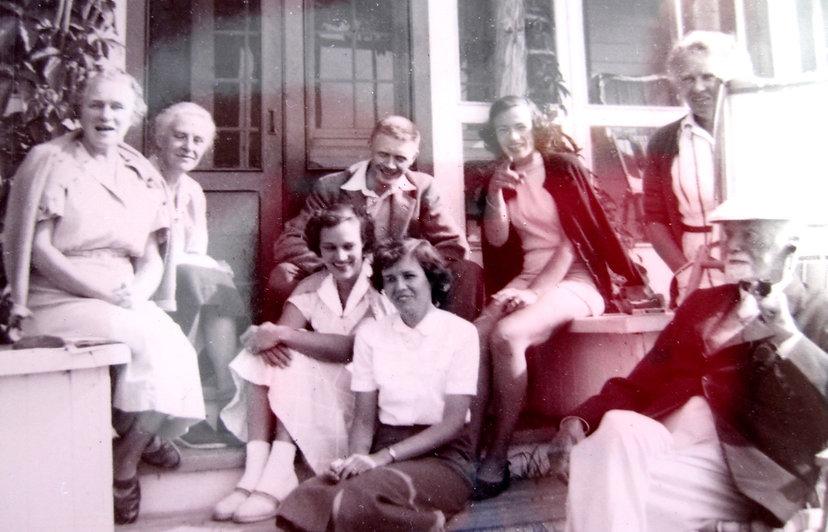 1951_ GertrudeLilyJeanJohnJoanNanMaryLen