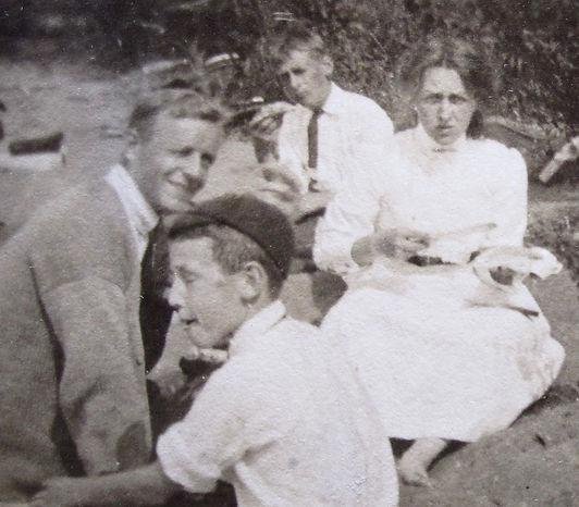 1908-FrankSidney,Bobby,Nancy,_ Dorothy.j