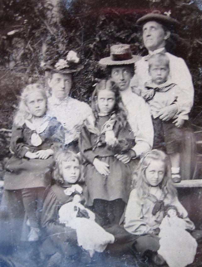 1899 BillMaryDorNancBob+3.jpg