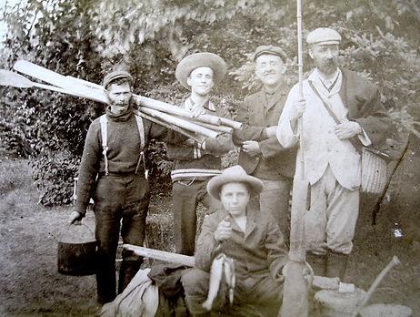 1900 PoitrasJimmyCharlieJohnLennoxFish.j