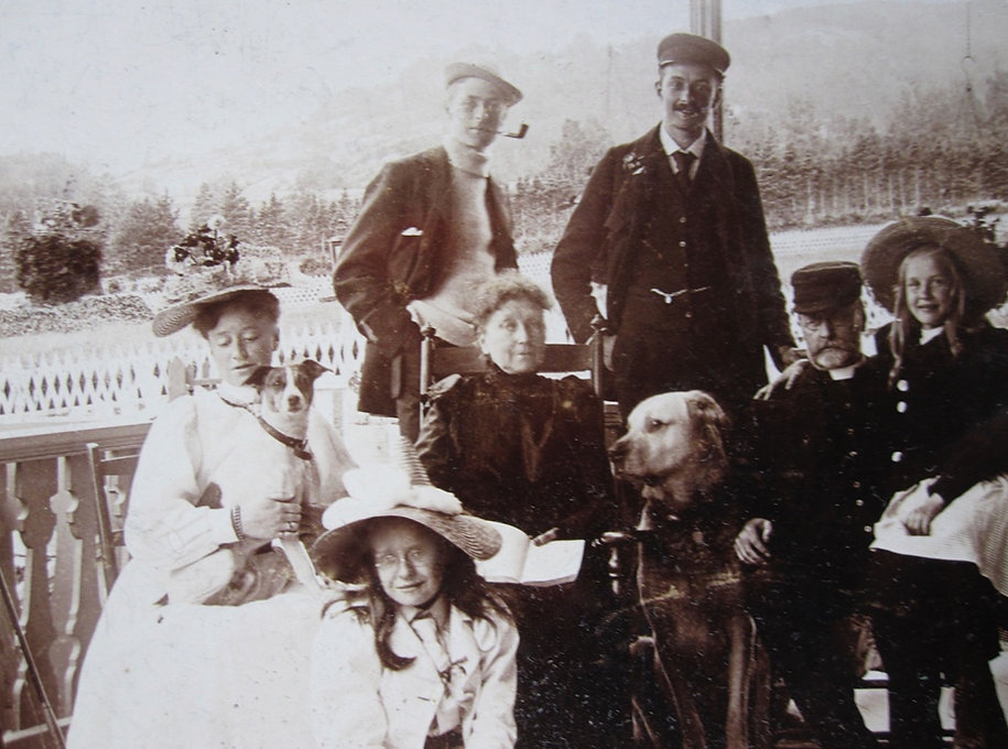 1902 EvansGrouponPorch.jpg