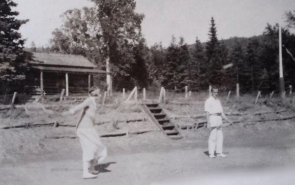 1917 AltheaSid.jpg