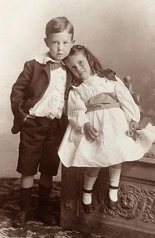 a1895Charlie&Doro.jpg