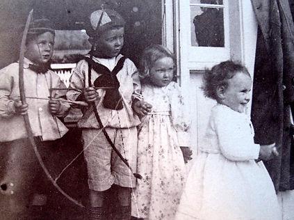1891 JimmyFrankNancyLilybell.jpg