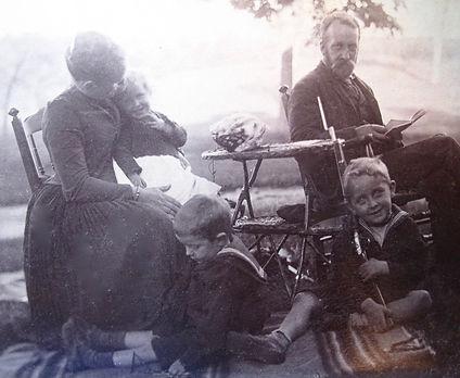 1890 MinnieNancyFrankJohnHarry2.jpg